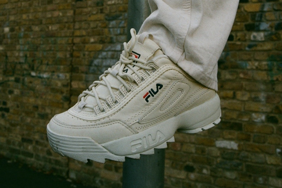 patta-fila-disruptor-low-main