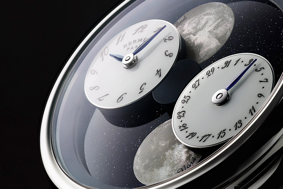 hermes-arceau-lheure-de-la-lune-double-moon-phase-watch-main