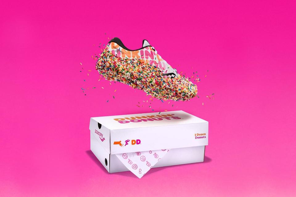 dunkin-saucony-kinvara-10-sneaker-main