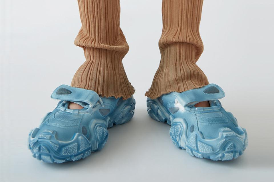 acne-studios-bolzter-chunky-sneaker-main1