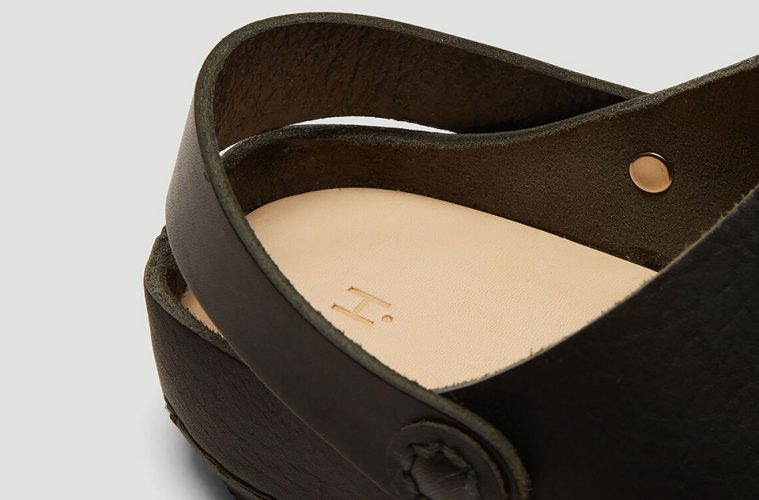 hender-scheme-crocs-collaboration-sandal-release-main