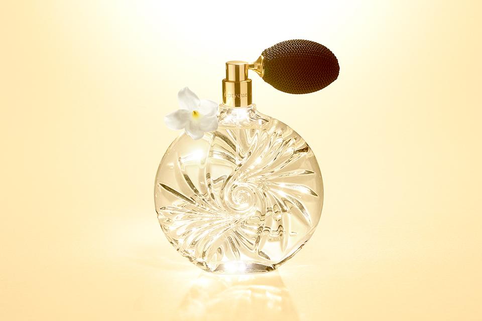 diptyque-Essences-Insenséees-eau-de-parfum-main