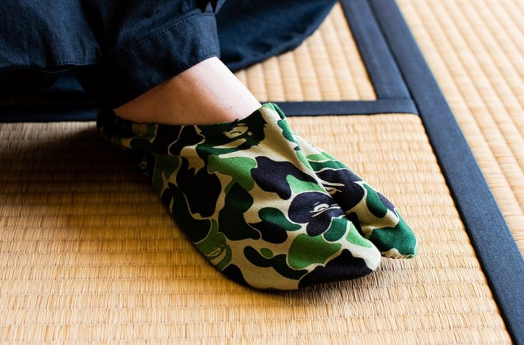 bape-a-bathing-ape-abc-camo-japanese-socks-release-01