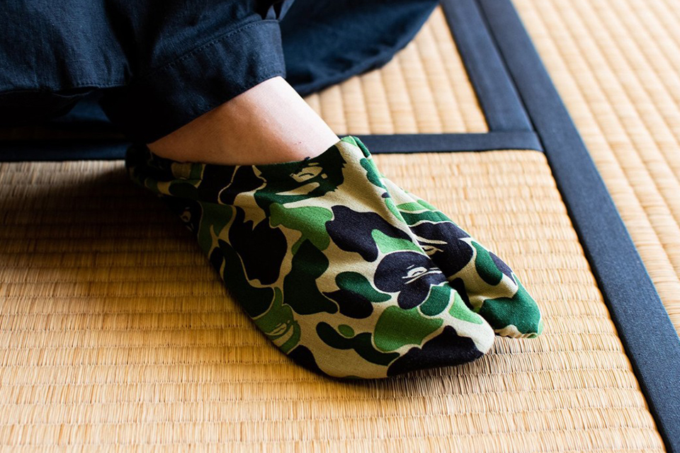 bape-a-bathing-ape-abc-camo-japanese-socks-release-01