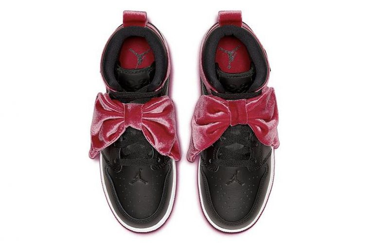 nike-air-jordan-1-mid-bow-pink-black-main