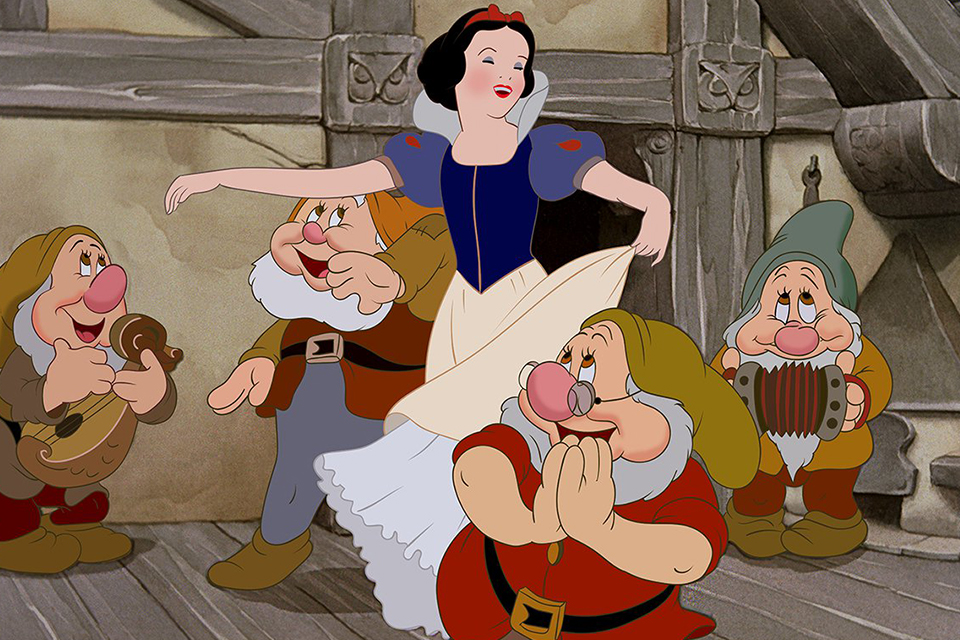 disney-snow-white-is-getting-a-live-action-remake-01