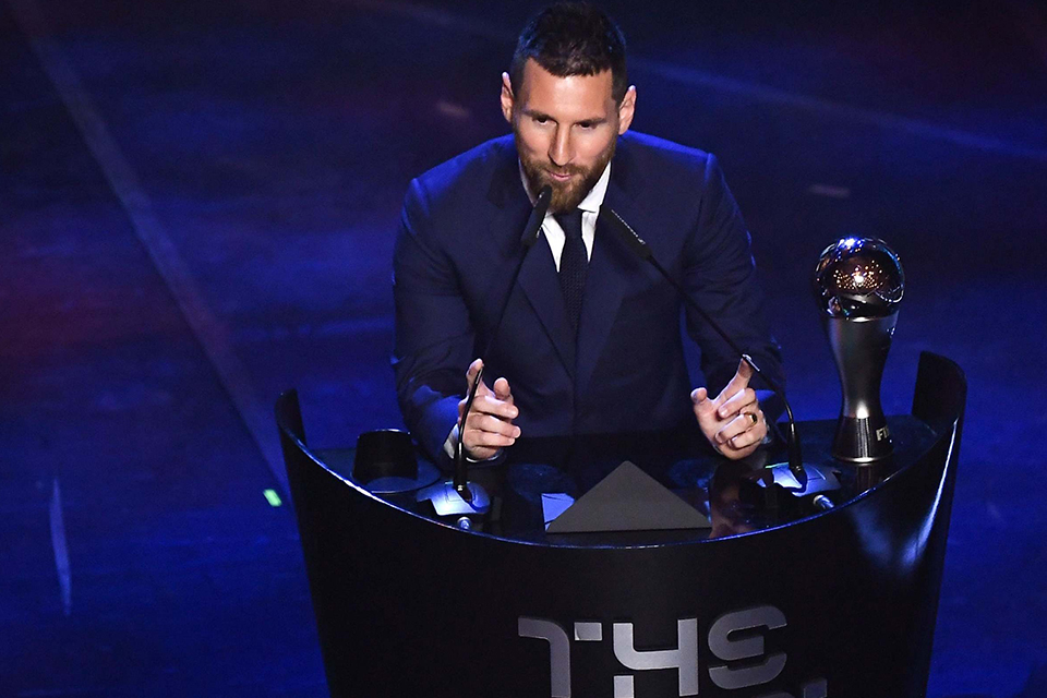 messi-wins-fifa-mens-player-of-the-year-award-01